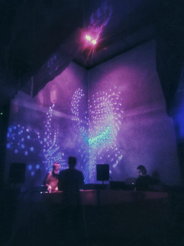 Club Visuals – VJing at Harry Klein